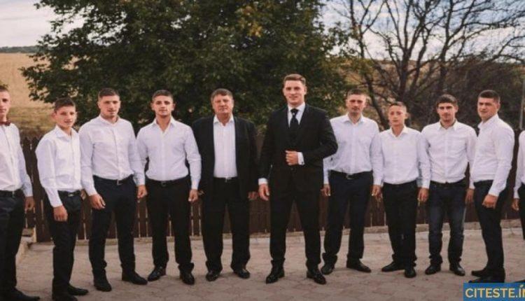 Un tată fericit şi invidiat pentru cei 19 copii ai săi
